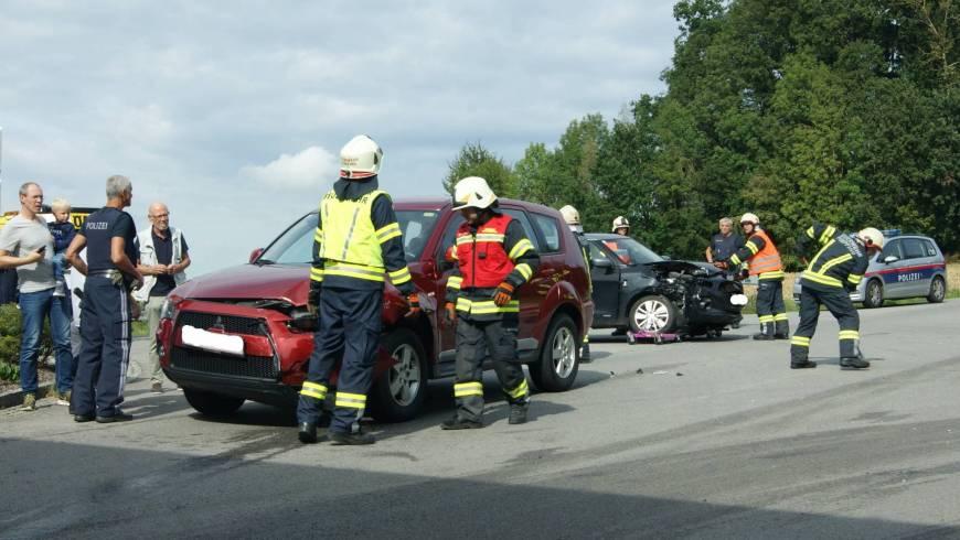 Verkehrsunfall im Kreuzungsbereich Laab II