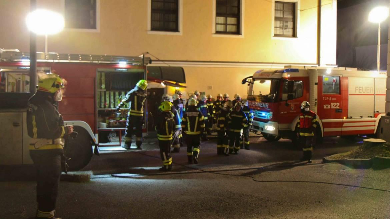 Küchenbrand im Ortszentrum von Andorf